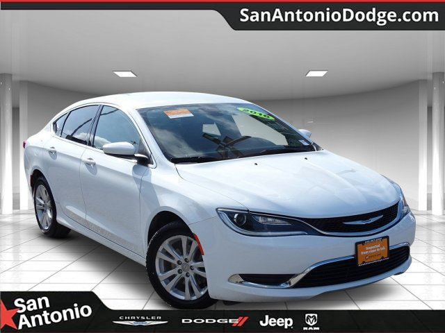 Chrysler 200 Limited >> Pre Owned 2016 Chrysler 200 Limited Fwd 4d Sedan